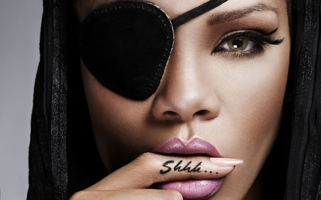 rihanna-shhh-tattoo-1920x1200-wallpaper-13275